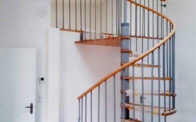 Pose d'un escalier hélicoïdale